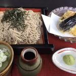 めん処 奈良 - 料理写真:野菜天ざる大盛り。