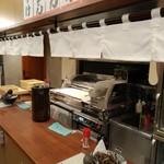 いぶきうどん - 製麺場前のカウンター