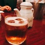 74686992 - ひさびさにイ゛ーーーーっ! っとくる紹興酒ならぬ中国老酒。こういう時は氷をブチ込みソーダで割れ! これをスパークリング・ラオ©️オキシローという。