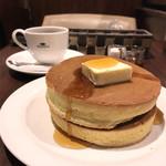 珈琲館 - 手焼きホットケーキとブレンドコーヒー