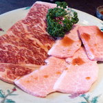 焼肉館 銀水 - 料理写真:上ロースと上カルビ