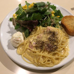 ロータス カフェ - 料理写真:カルボナーラ サラダ付