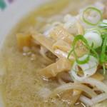 麺屋 彩未 - スープ、メンマ