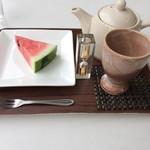 めぐみベジカフェ - デザート。ハスの葉茶。