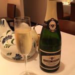 レストラン・モリエール - Thierry Triolet で乾杯!