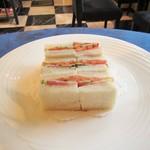 ローズウッド - 1段目:サンドイッチ。