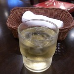 香巷菜 松楽 - ・お茶のサービスと布オシボリ