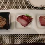 ホテルオークラ 中国料理「桃花林」 - 肉厚クラゲ チャーシュー 鴨