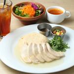 Cafe Apartment 183 - 10月14日(土)より チキンライスセット 1300円(スープ、ドリンク、ミニサラダ付)