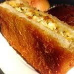74702085 - たまごの揚げパン