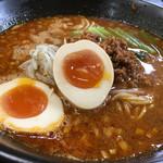 麺屋遊膳 - 担々麺のアップ〜(*^▽^*)❤️ クーポンでゲットした半熟味玉トッピング╰(*´︶`*)╯♡