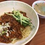 74708690 - ジャージャー麺+スープ