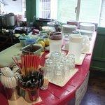 ソムチャイ - キレイに整頓されたキッチン・カウンター