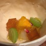 傳 - 梨、柿、柘榴、マスカット、黒糖寒天、ラム酒のジュレ