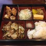 珉龍 - 日替わりランチ(肉とキャベツスタミナ炒め)