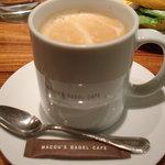 MACOU'S BAGEL CAFE - カフェラテ
