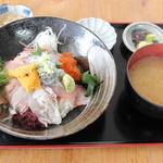 海辺 - 特選海鮮丼