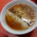 74730925 - 焼き餃子と同じものがスープに!