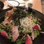 74736396 - 湘南釜揚げしらすと地野菜のサラダ