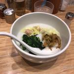 74738791 - 【肉野菜ワンタン粥】(400円税込)