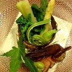 7474094 - 前菜の一つ:昆布釜盛り 野菜の白和え
