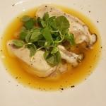 味とく家 - 仙鳳趾産の生牡蠣マンゴーのソースで