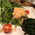 味とく家 - 味とく家特製ポテサラ 丹後ベビーリーフ、五色わかめ、北海道フルーツトマト