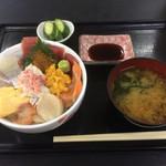 74750686 - びっくり海鮮丼1350円