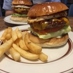 REDS' BURGER STORE -