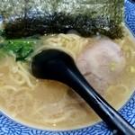 豚骨醤油 蕾 - 豚骨醤油