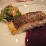 マジュール - ディナー:桜鯛のロティ、赤ワインソース