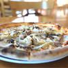 グリル青山農場 - 料理写真:ミックス(4種のチーズ、 ベーコン、きのこ)¥2,000