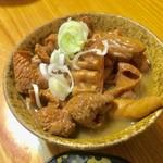 東邦酒場 - 火水木曜日は酎ハイともつ煮込みがセットで500円とお得な酒場デー