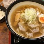 肉そば家 笑梟 - 料理写真: