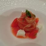 リストランテ カノビアーノ - ◆モッツラレとトマトの冷製カッペリーニ(+500円) トマトの優しい味わいと冷たいパスタがよく合います。
