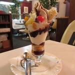 エトワル - 料理写真:チョコレートパフェ 780円 (2017.10)