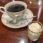 蝸牛庵 - ウインナコーヒー