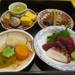 すき焼き・しゃぶしゃぶ・懐石料理 小豆 - 松花堂弁当
