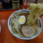 朋友 - 麺は中太ストレート