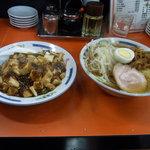 朋友 - Bセット770円(半マーボー丼+ラーメン)