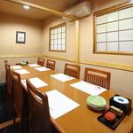 おでん料理 地酒 大阪・北新地 六根 - 10名様までお入り頂けるテーブル個室