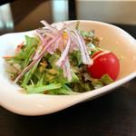 飛騨牛しげむら - ランチタイム80円のサラダ