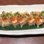 北の味紀行と地酒 北海道 - サーモン炙り箱寿司