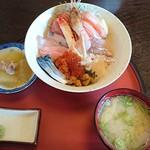 まんぷく処 まま屋 - 海鮮丼1300円