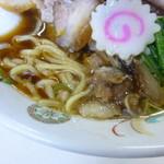 青島食堂 - 麺とスープ