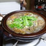 かたつむり - 仔熊の足煮込み入り熊茸鍋