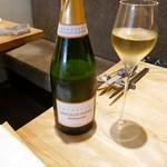 74798635 - まずはシャンパンで乾杯