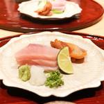 いち太 - 昆布盛ぶり、宮城赤貝