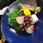 海老一統 - 湯タコのブツ切り