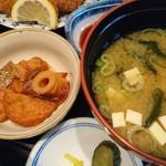 旬魚や 魚いち - 煮物と味噌汁